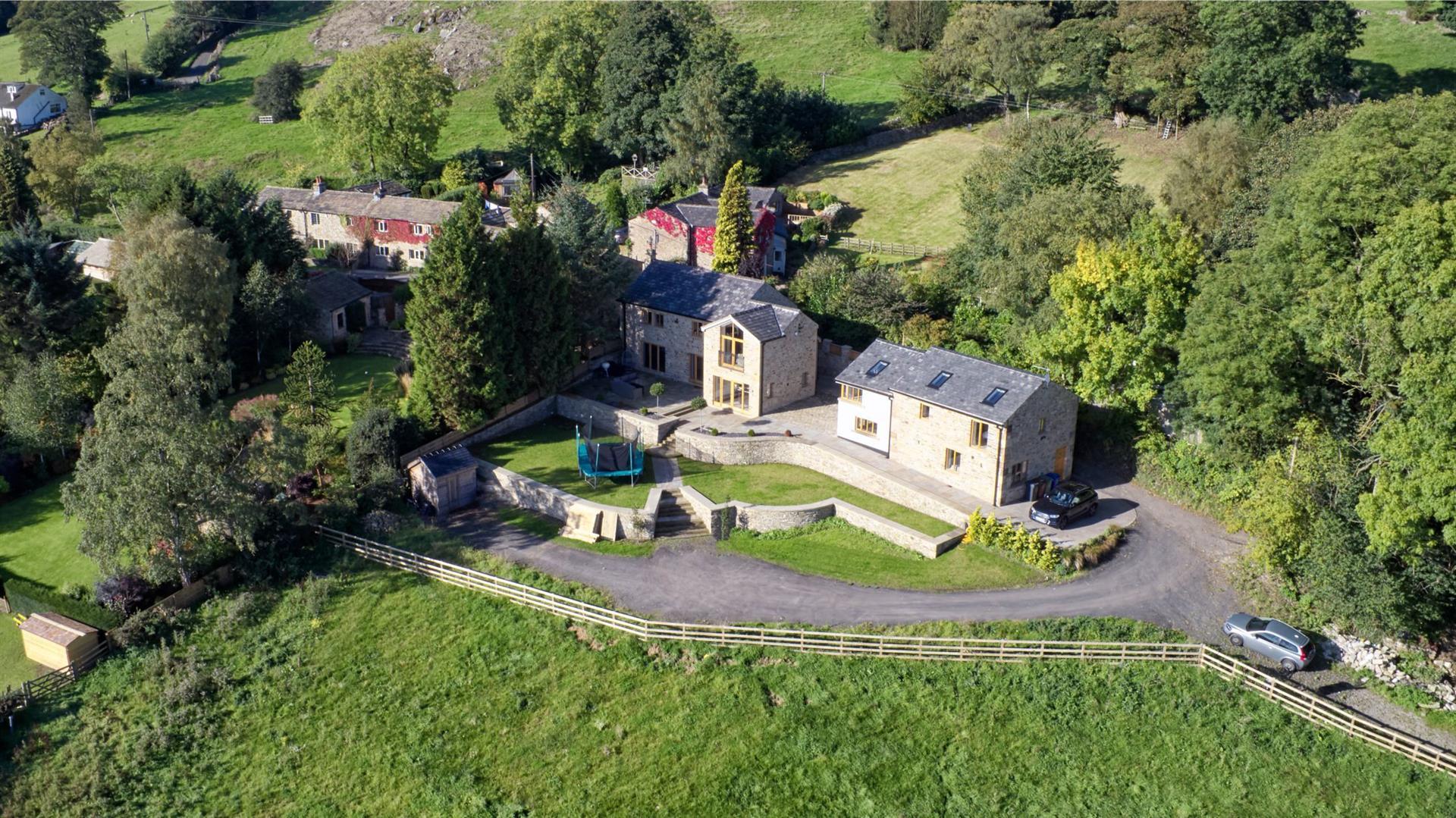 4 Bedroom Detached House For Sale - Farmhouse 1